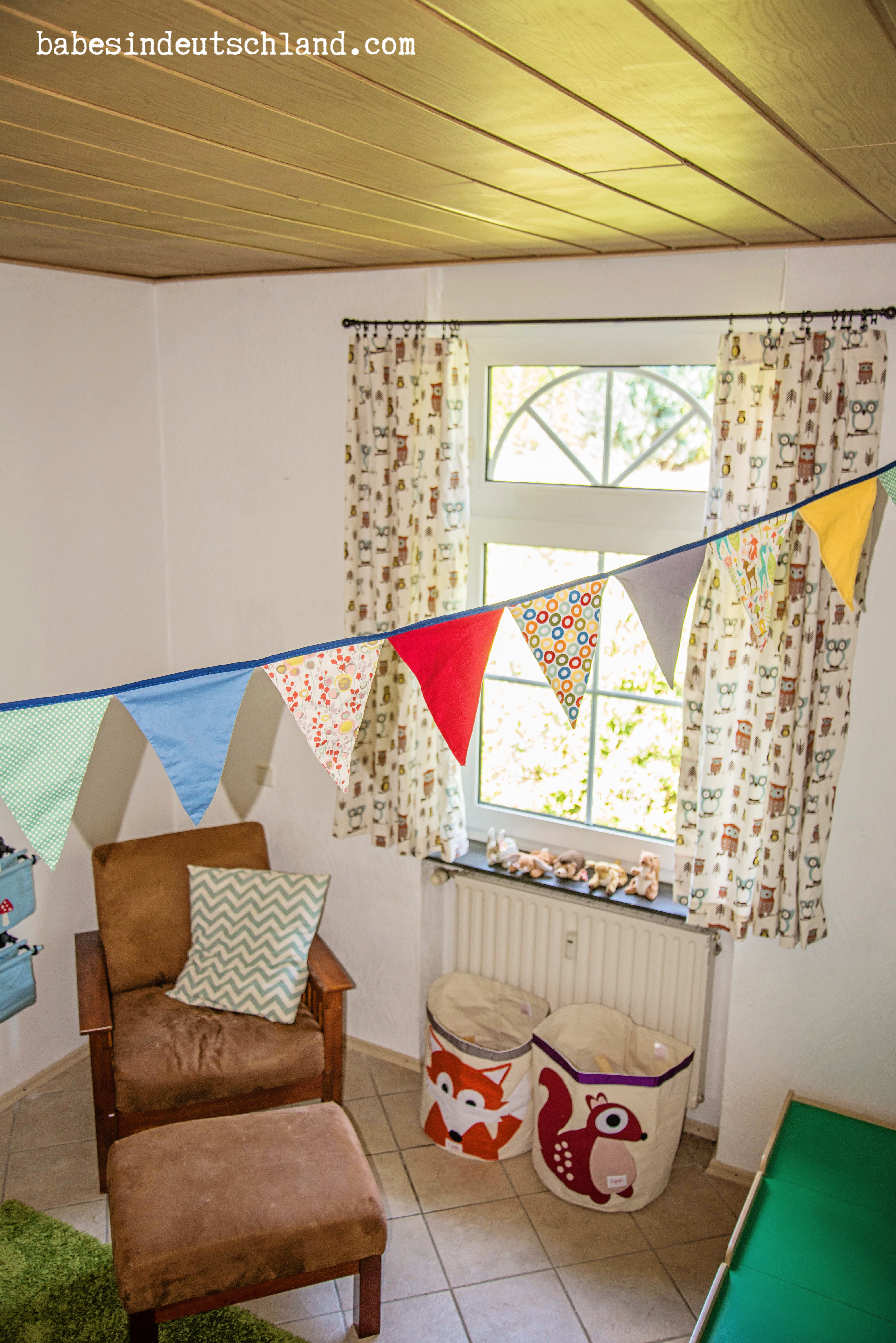 Easy bunting made using bias tape!
