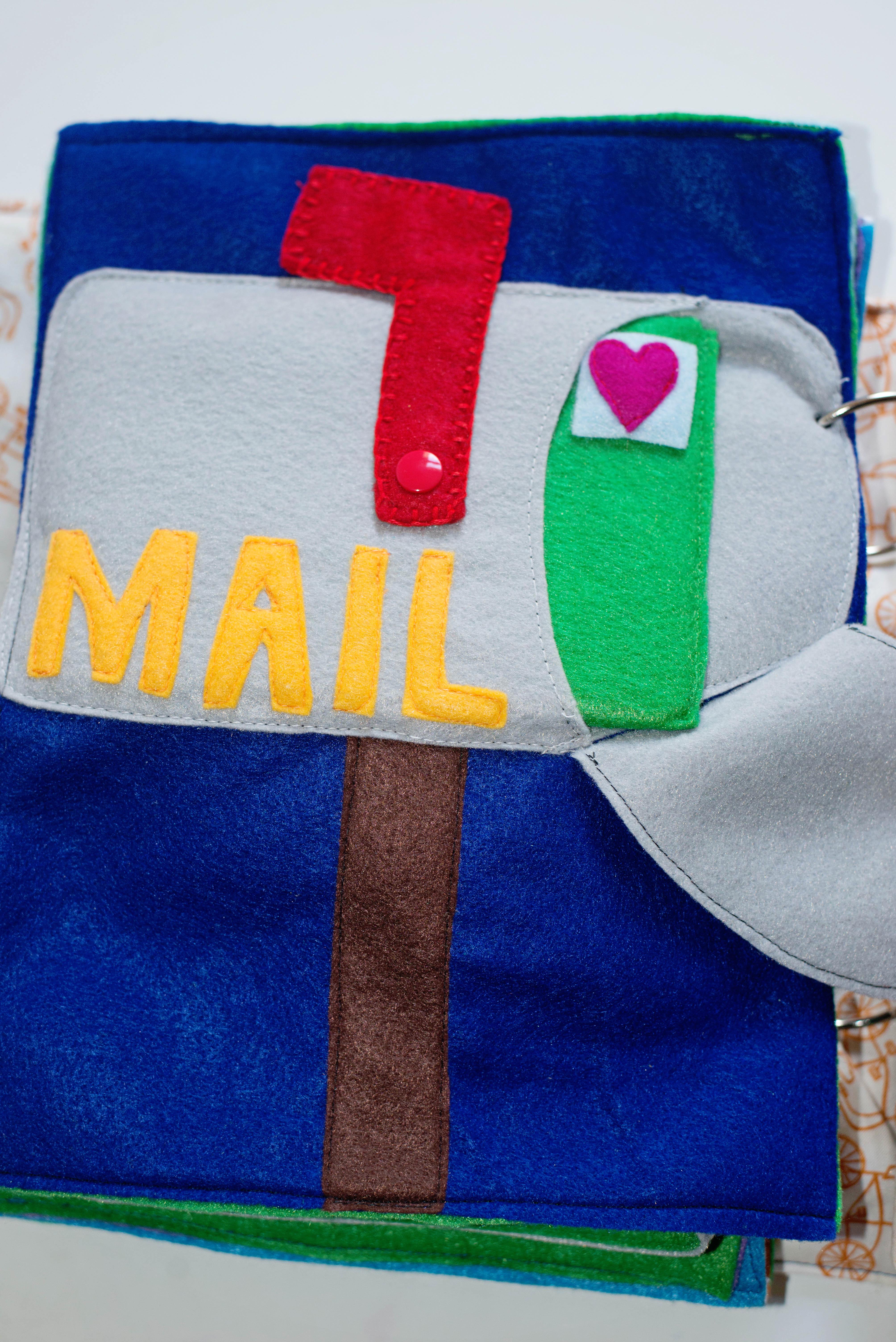Babes in Deutschland, mailbox quiet book page