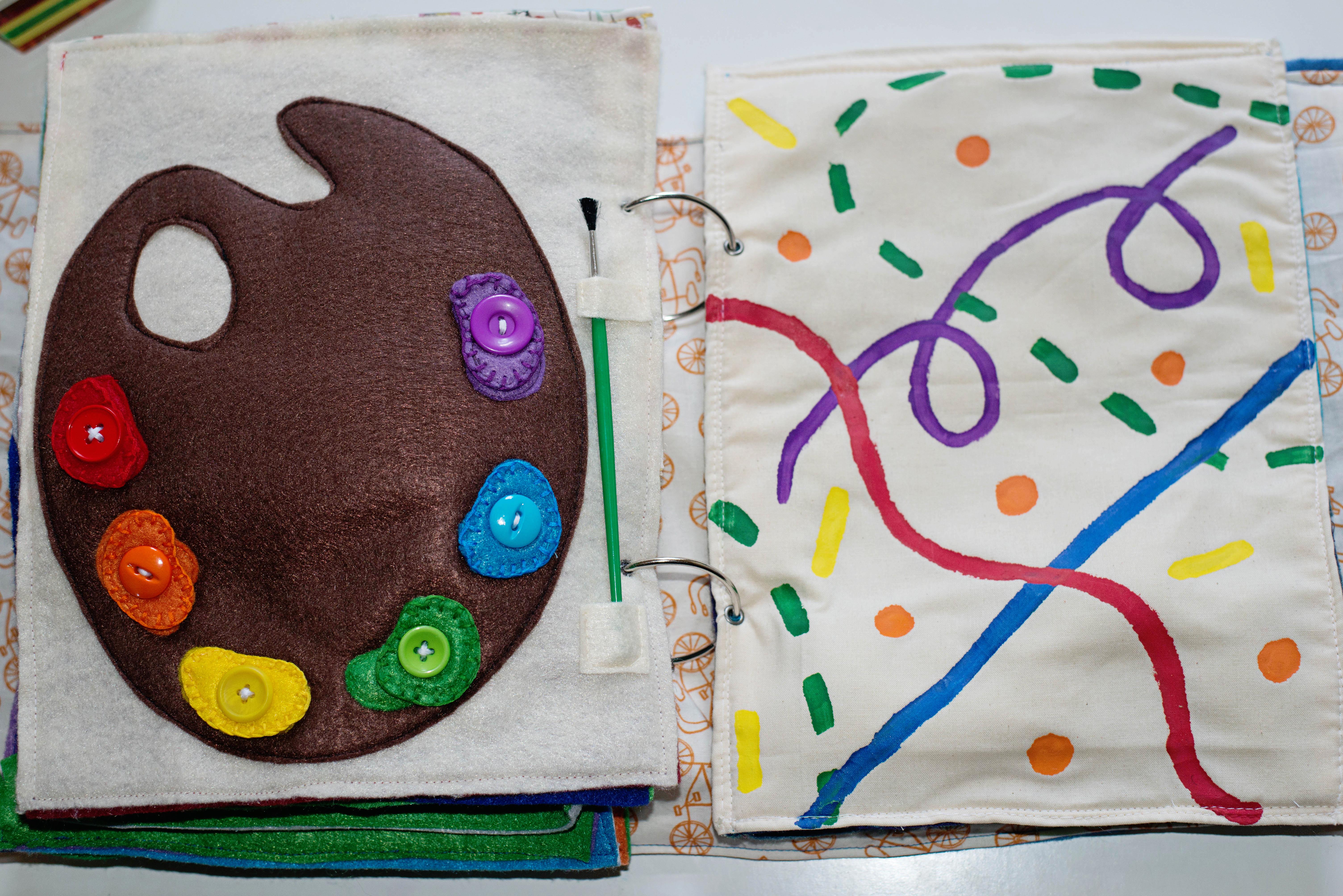 Babes in Deutschland, artist palate quiet book page