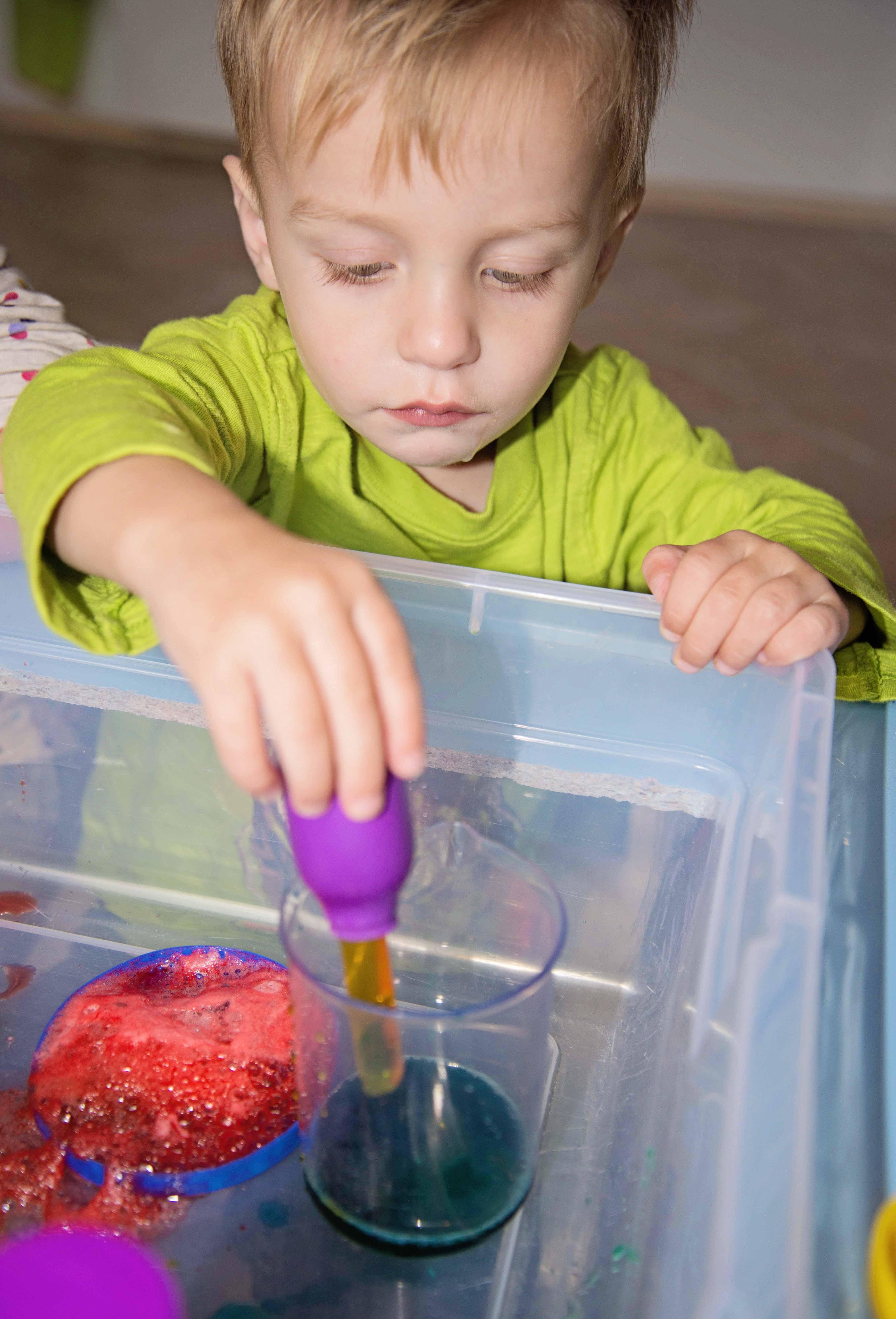 Child let science exploration