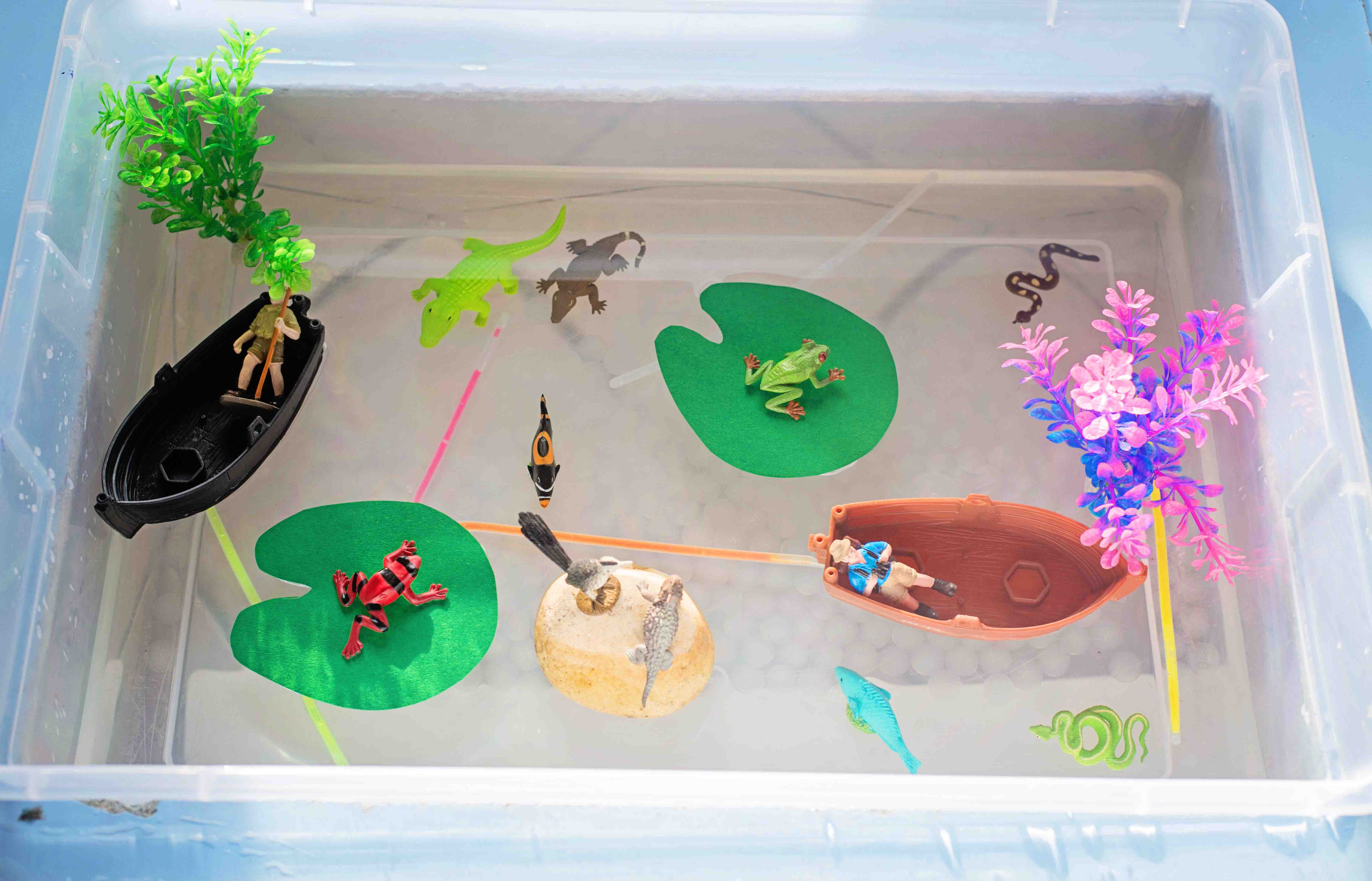 A spooky swamp sensory bin, perfect for Halloween themed learning by Babes in Deutschland