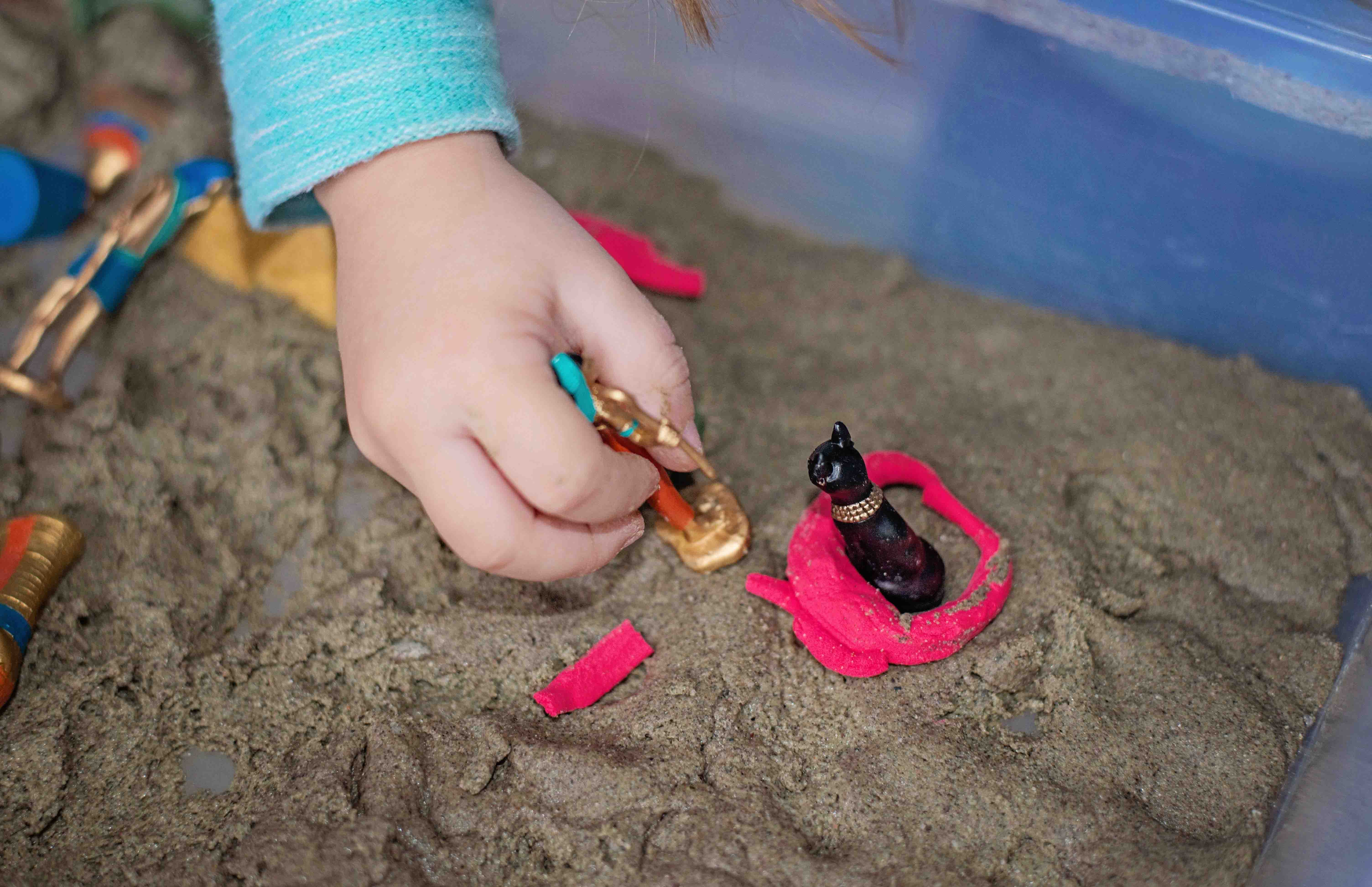 Learn about Egypt and play in the sand with this great non-messy sand dough recipe, by Babes in Deutschland