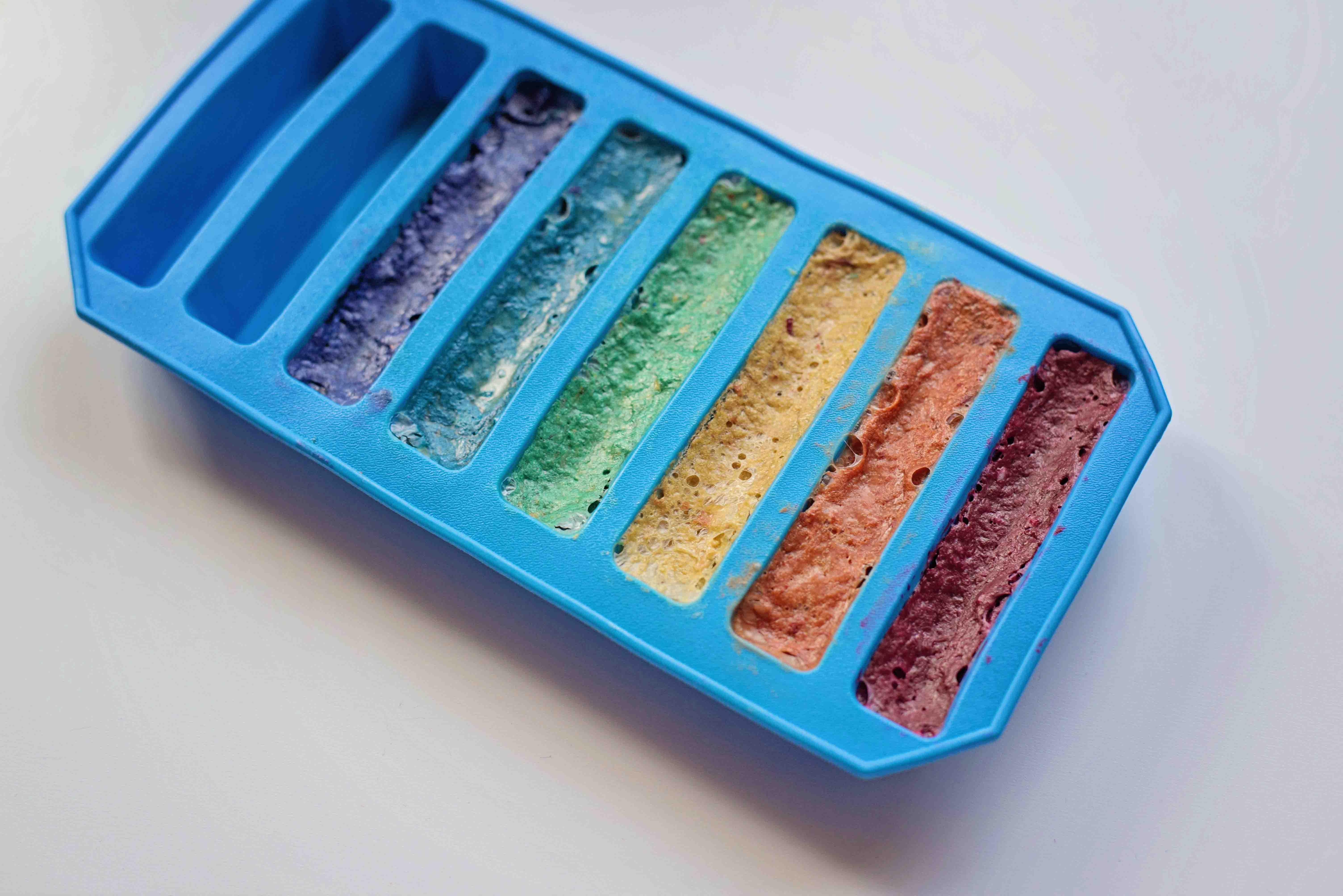 DIY Scented Beeswax Crayons, a great gift or stocking stuffer to make for your kids this Christmas!