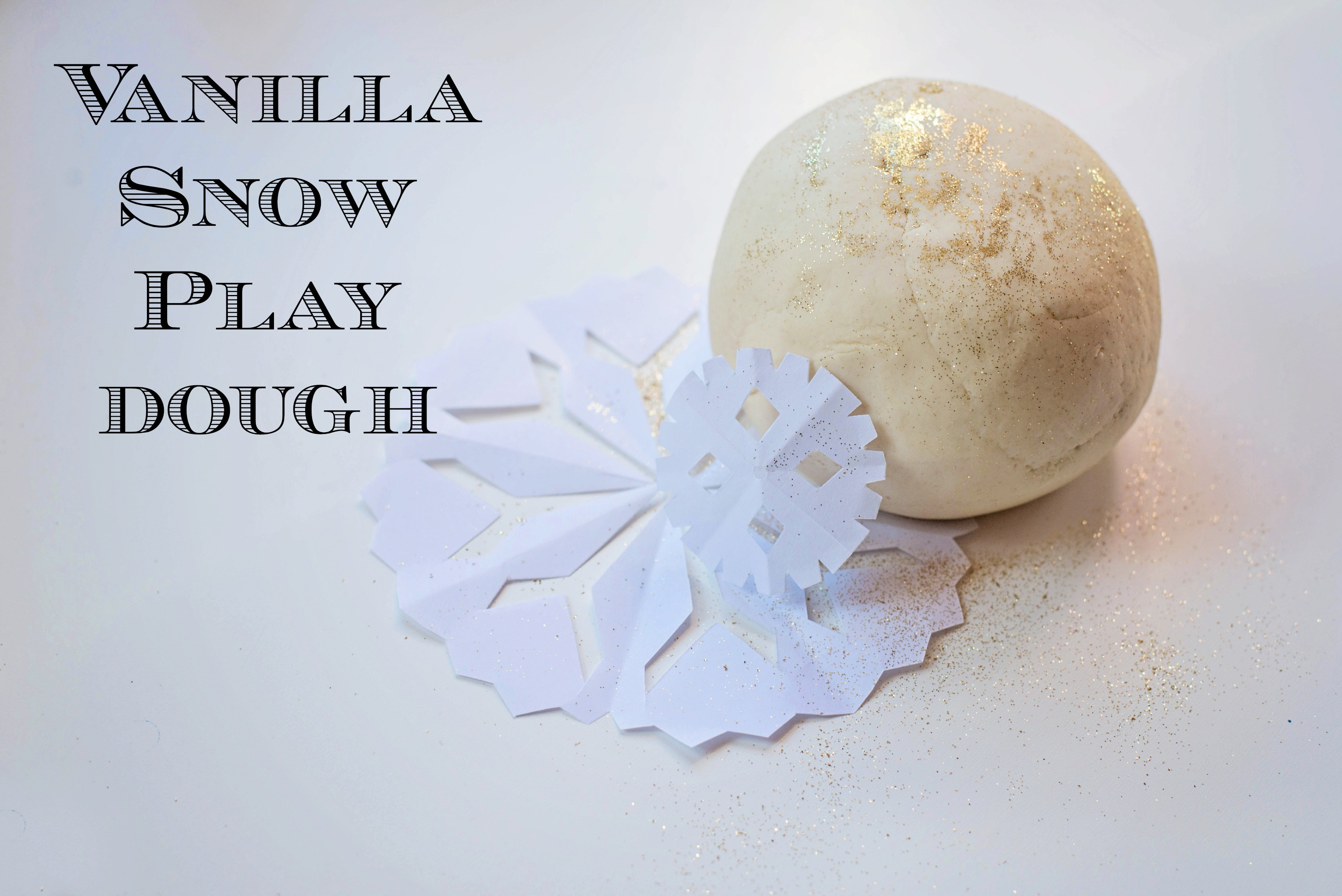 Five uniquely scented play doughs, perfect for celebrating the Christmas season!