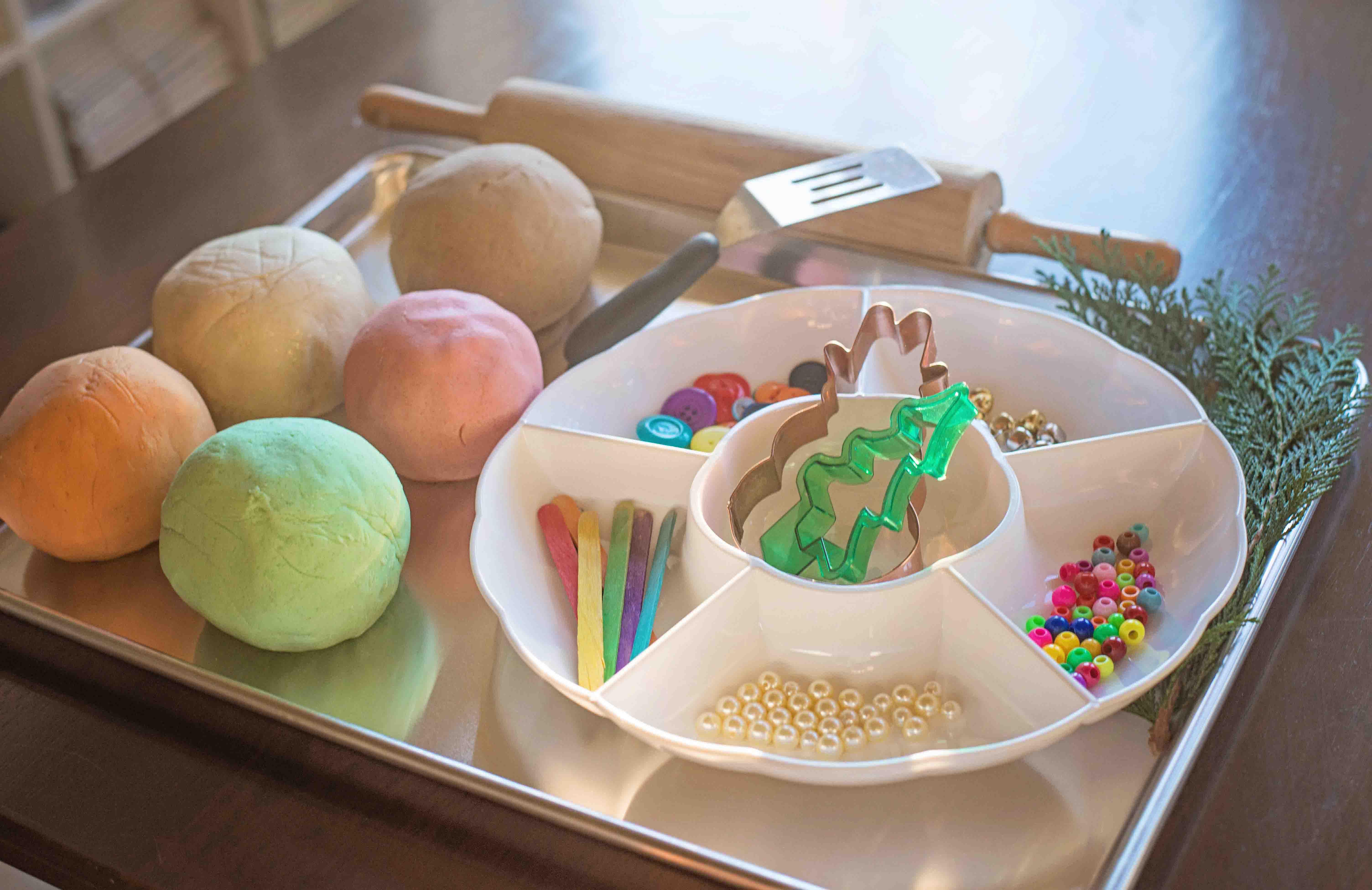 Holiday Play Dough Tot Tray