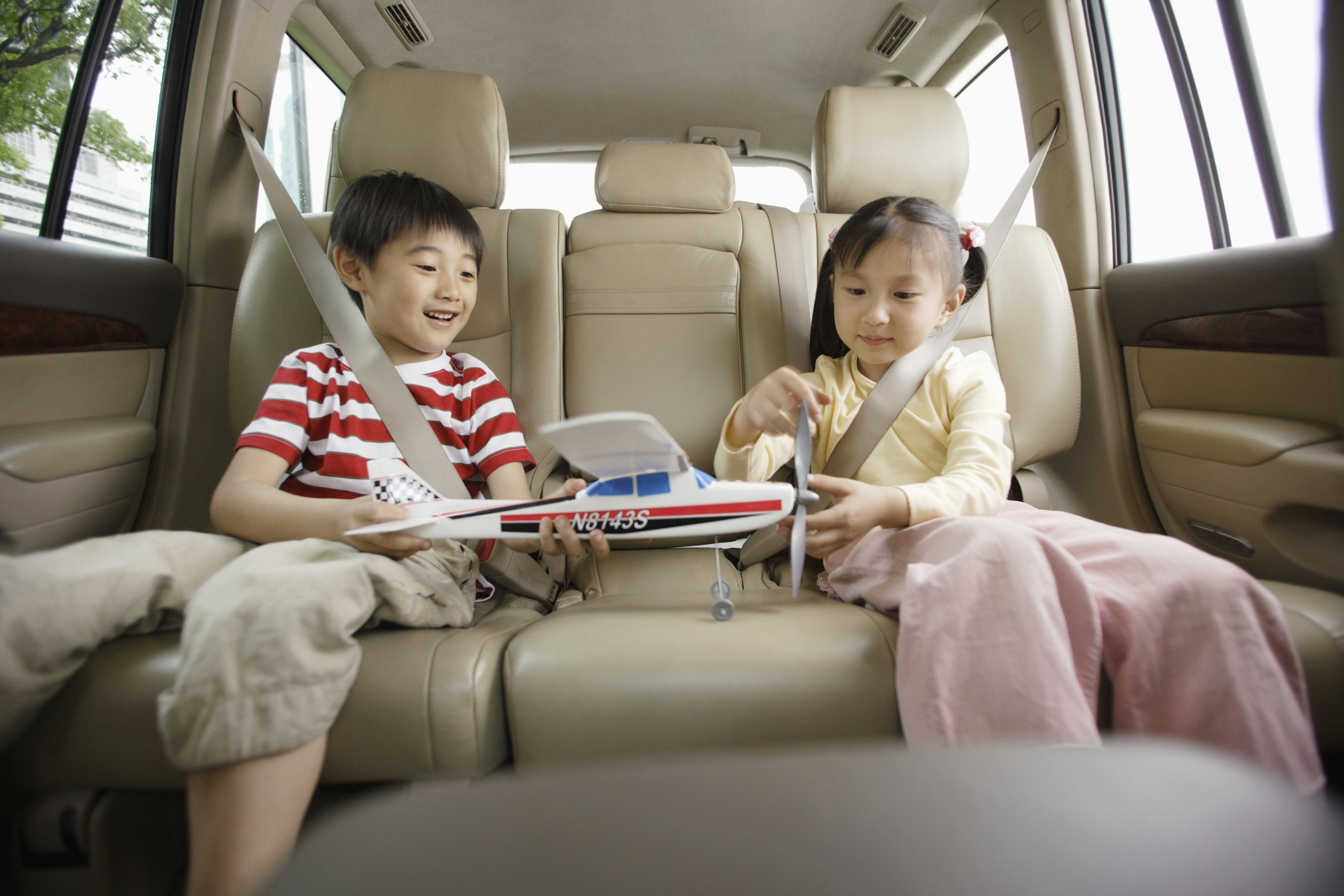 Traveling with children by car: what you need to know